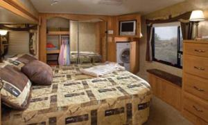 jayco-eagle-fifth-wheel-interior-3