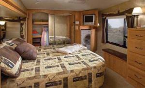 jayco-eagle-fifth-wheel-interior-3